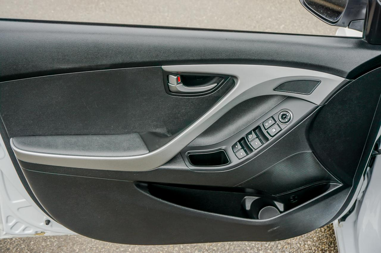 2016 Hyundai Elantra 4dr Sdn Man GL