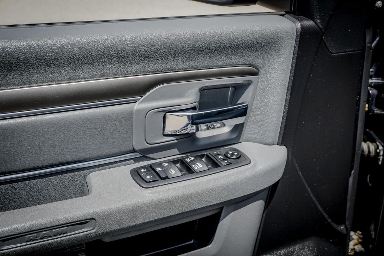 2016 Ram 1500 4WD Quad Cab 140.5 Outdoorsman