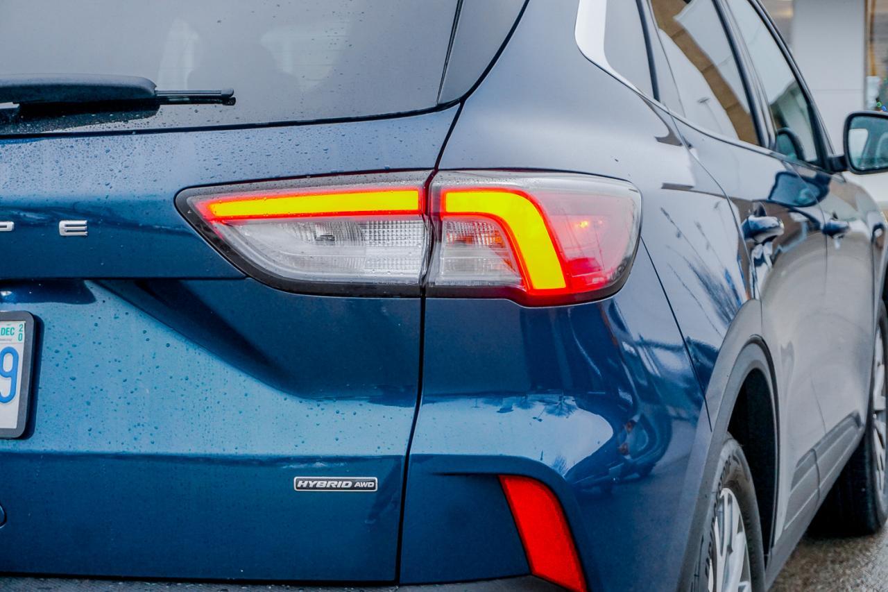 2020 Ford Escape Titanium Hybrid AWD
