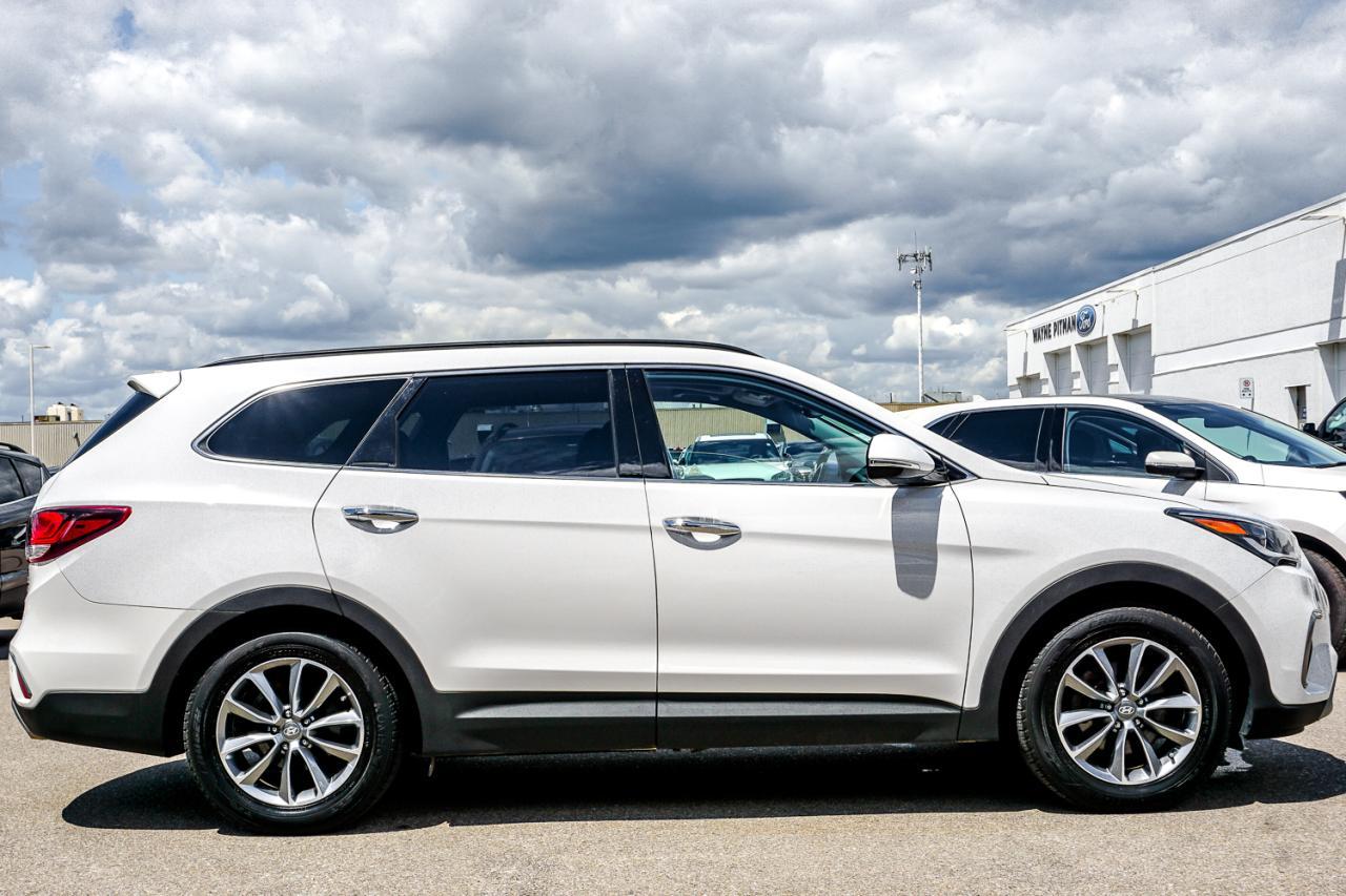 2017 Hyundai Santa Fe XL AWD 4dr Luxury