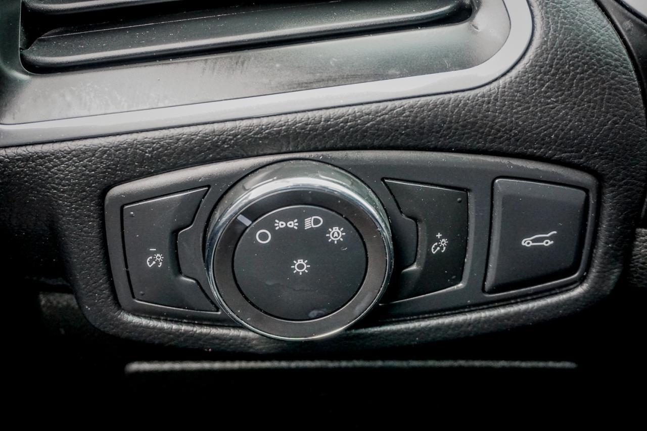 2016 Ford Edge 4dr Titanium FWD
