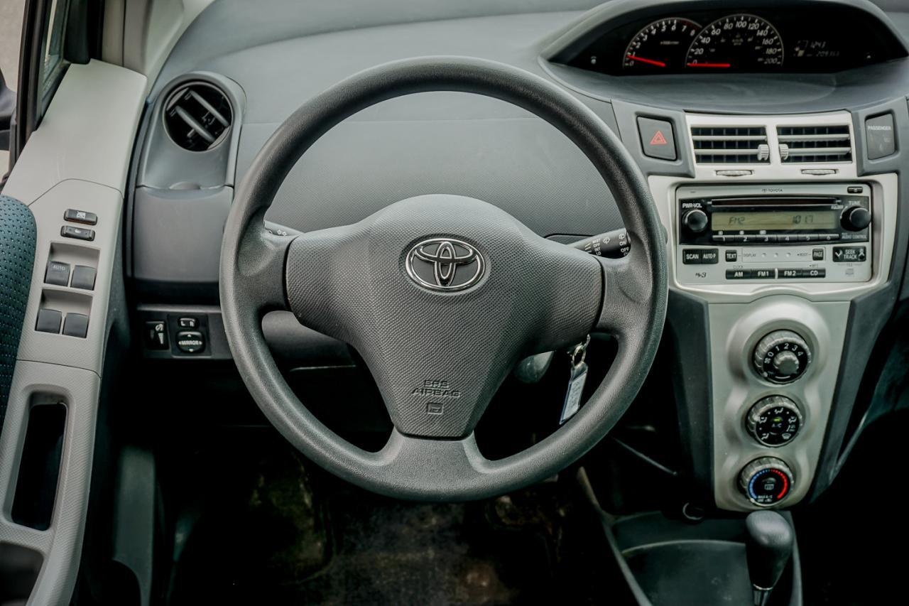 2007 Toyota Yaris LE