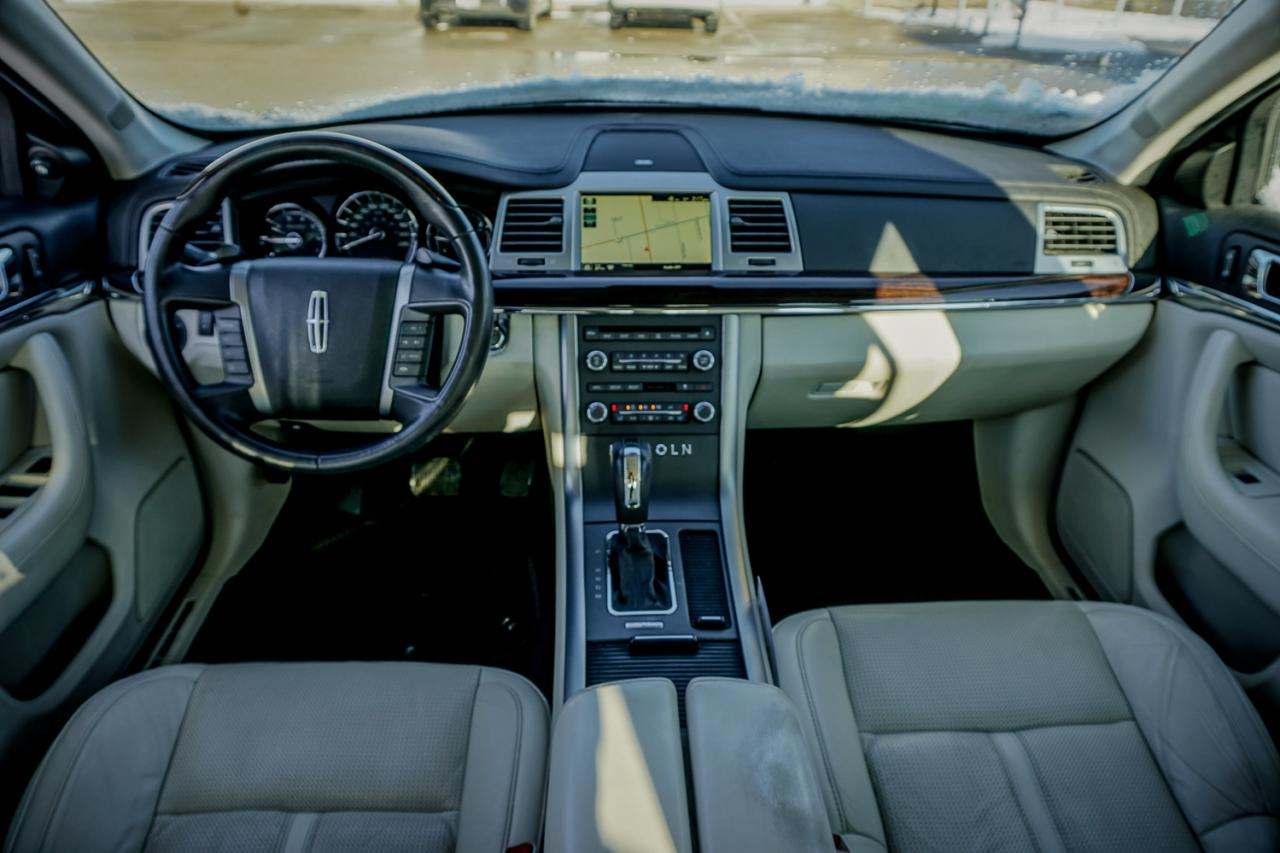 2010 Lincoln MKS 4dr Sdn 3.7L FWD