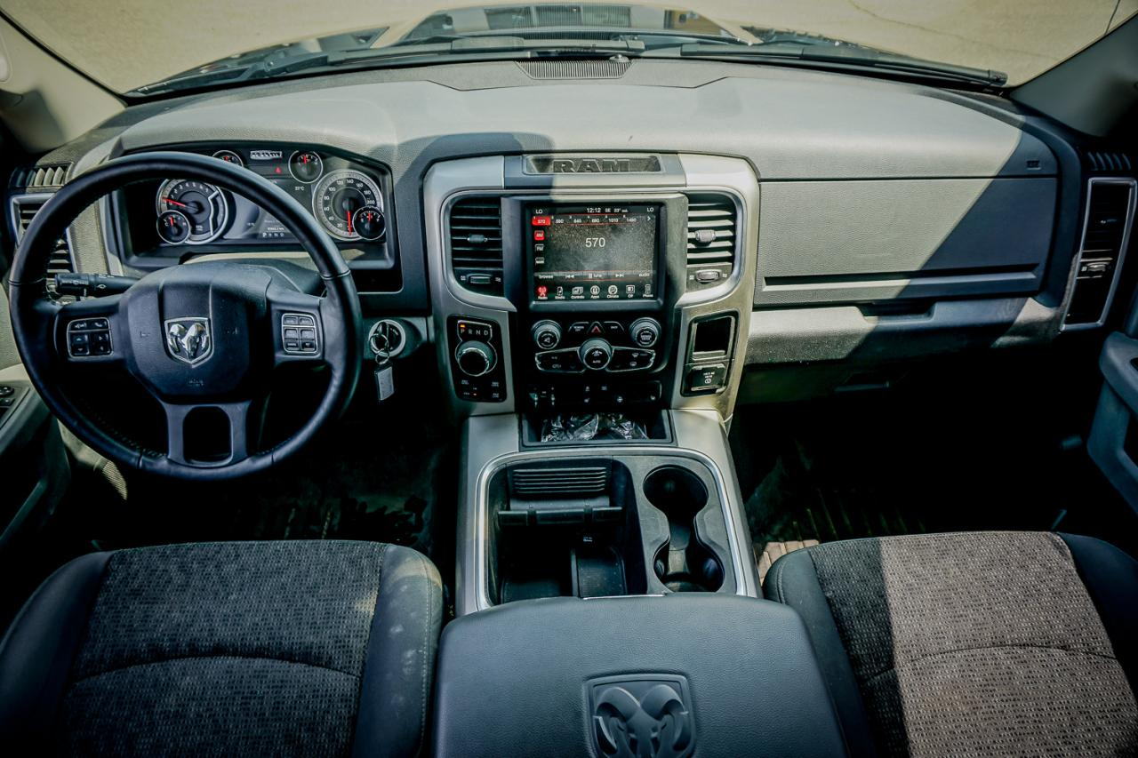 2017 Ram 1500 4WD Crew Cab 140.5 Big Horn
