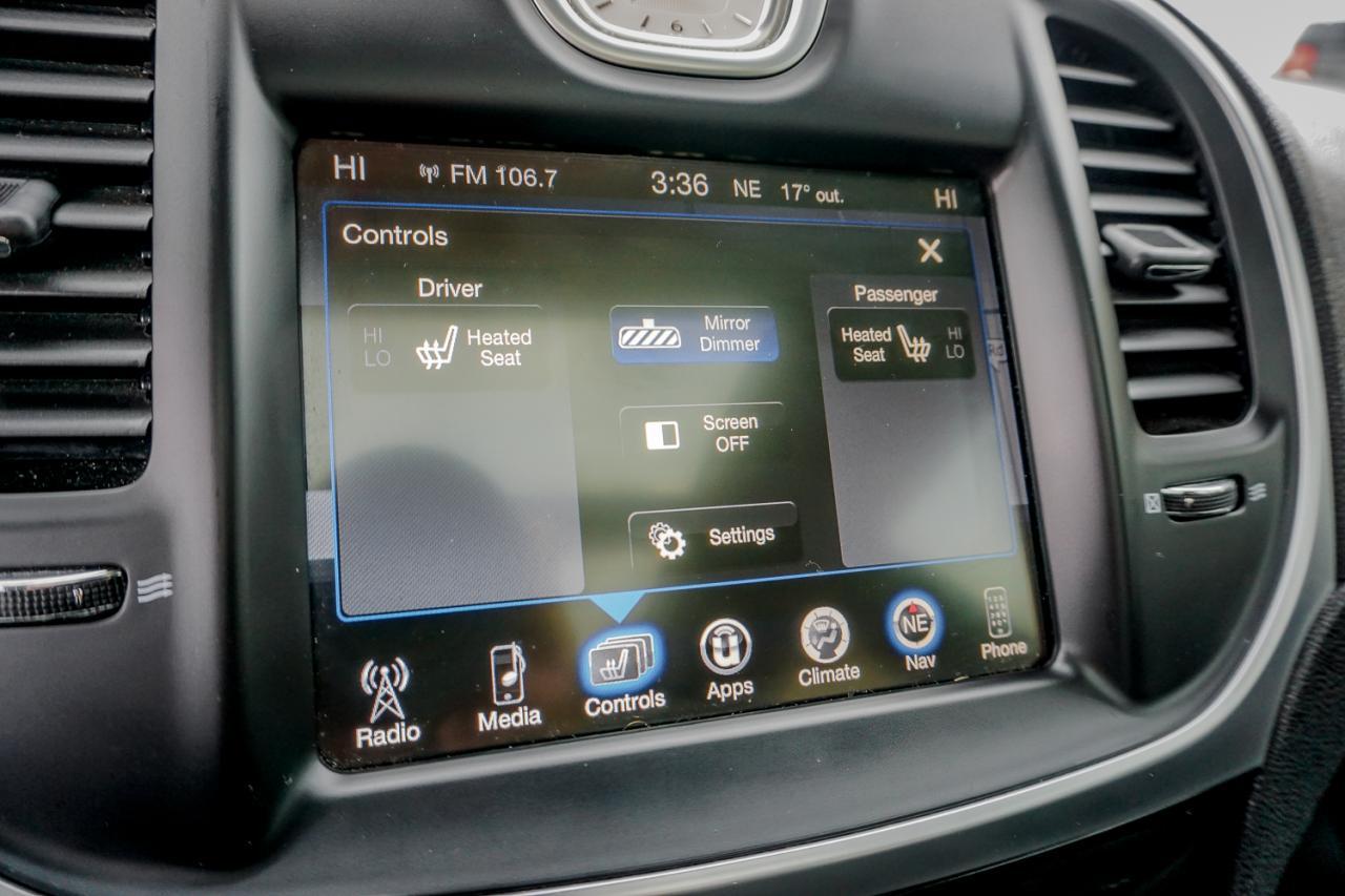 2016 Chrysler 300 4dr Sdn Touring RWD