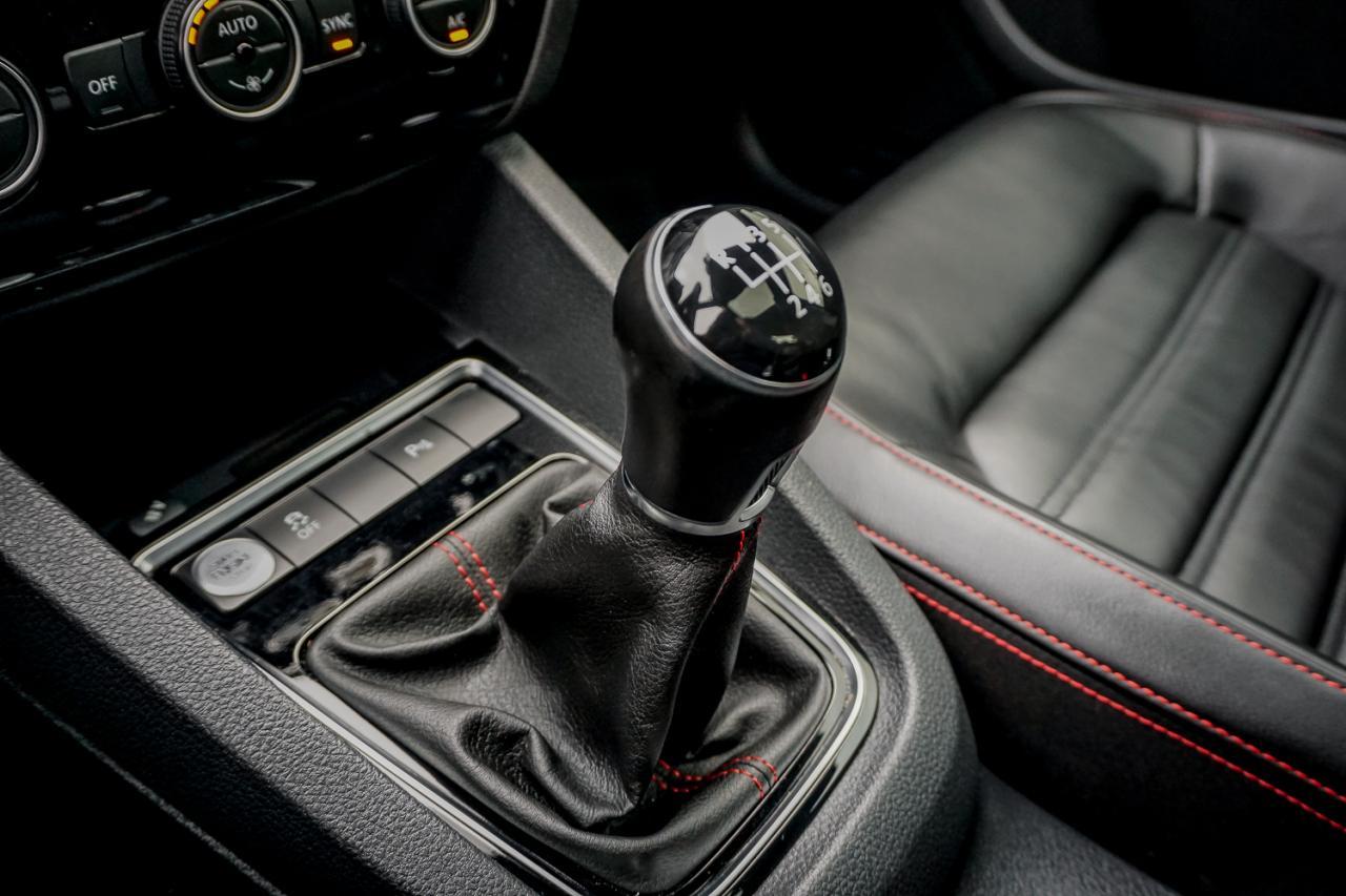 2016 Volkswagen Jetta Sedan 4dr 2.0 TSI Man GLI