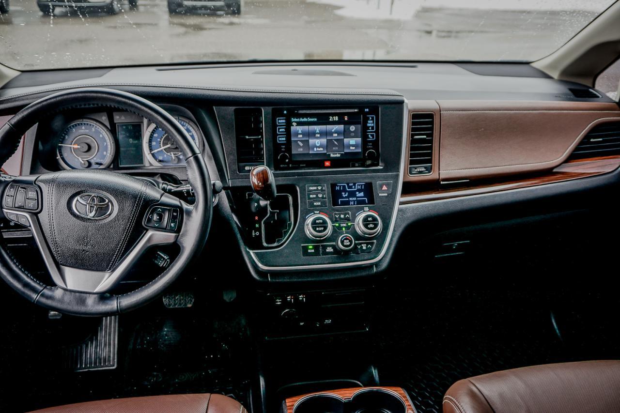 2017 Toyota Sienna 5dr XLE 7-Pass AWD
