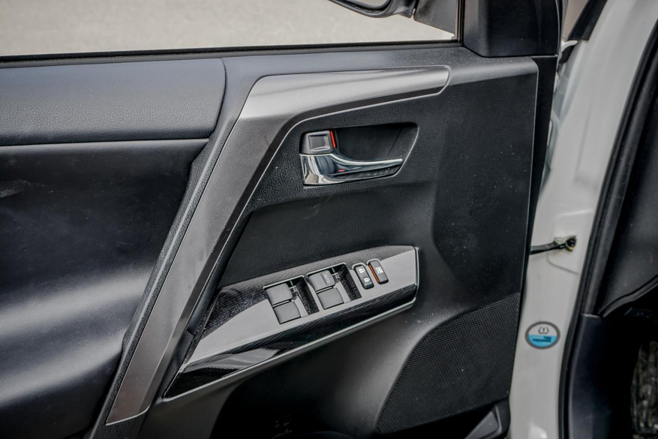 2018 Toyota RAV4 AWD Hybrid SE
